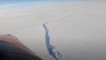 Pesquisadores afirmam que esperavam a separação há anos e que não há evidência clara de que o evento tenha sido causado por mudanças climáticas
