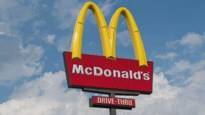 Vendas do McDonald's disparam com preços mais altos e novos itens do menu EUA