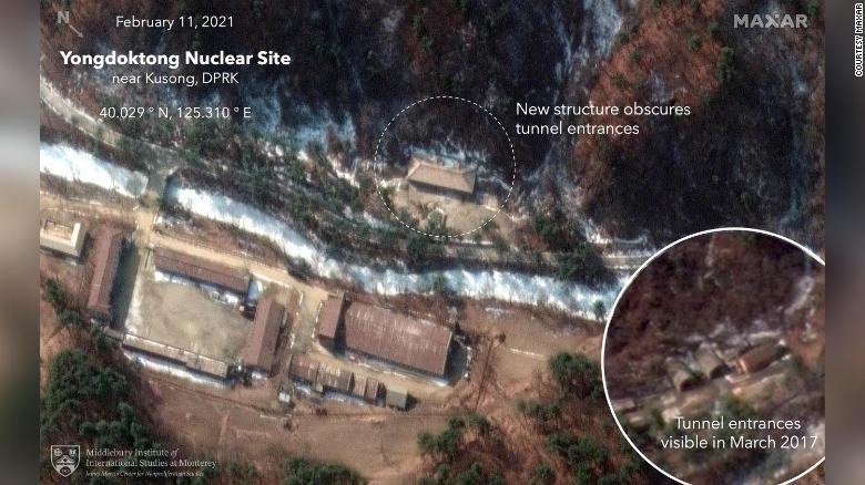 O satélite Maxar identificou novas construções sobre as entradas de túneis que dariam acesso a estoque de armas nucleares. Ação seria parte de um esforço para esconder a área