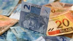 Renda habitual do brasileiro cai 6,6% no segundo trimestre, aponta Ipea