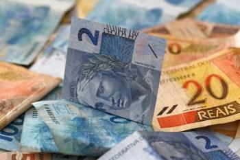 Aumento de 7% nas contratações para industrialização, que chegaram a R$ 9,77 bil. Já os créditos para comercialização recuaram 3%, para R$ 15,51 bil