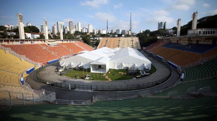 Tendas do hospital de campanha do estádio do Pacaembu, na capital paulista