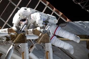 Soyuz MS-17 pousou no Cazaquistão com a astronauta da Nasa Kate Rubins e os russos Sergei Ryzhikov e Sergei Kud-Sverchkov