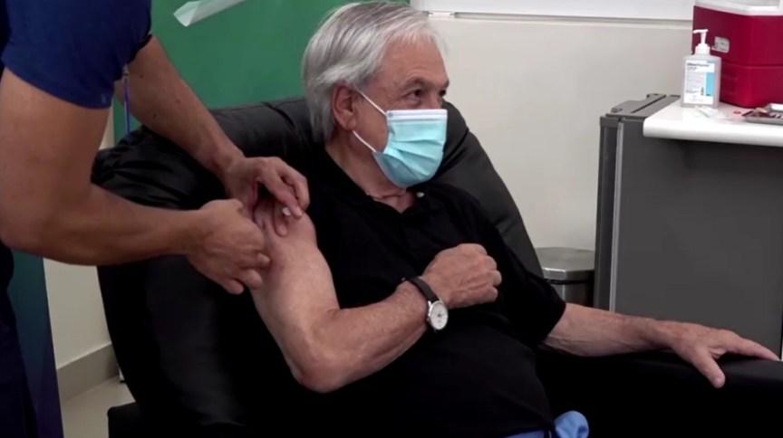 Sebastián Piñera, presidente do Chile, recebe dose de vacina contra a Covid-19