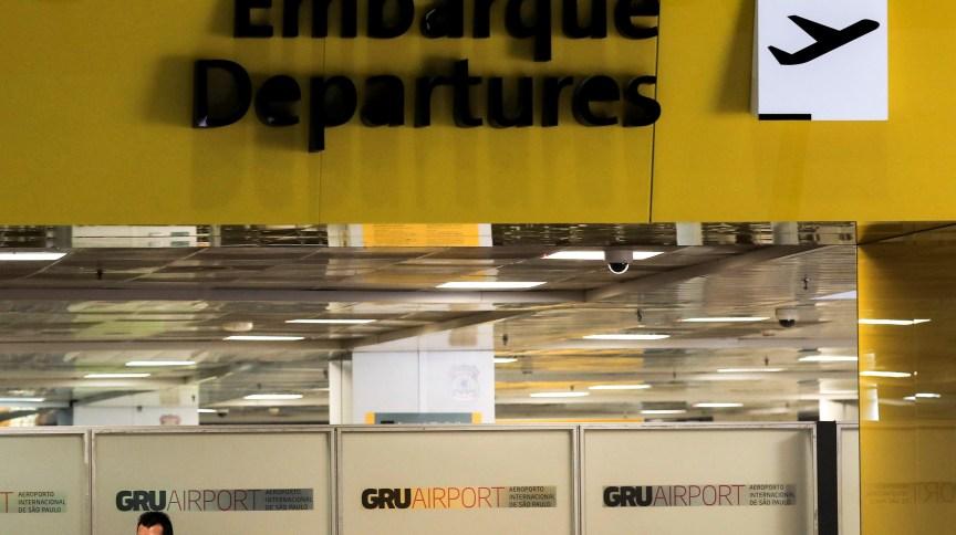 Anvisa recomenda que passageiros não façam quarentena em Guarulhos (SP)
