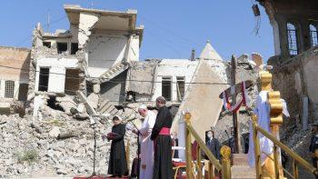 Declaração foi feita em meio aos escombros da cidade iraquiana de Mosul; essa é a primeira visita papal ao país