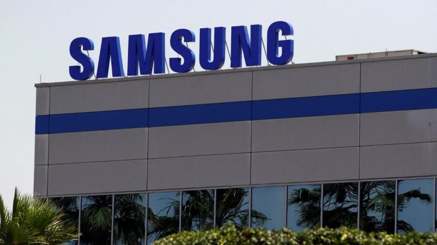 Logomarca na fachada de uma fábrica da Samsung no México (01.jun.2019)
