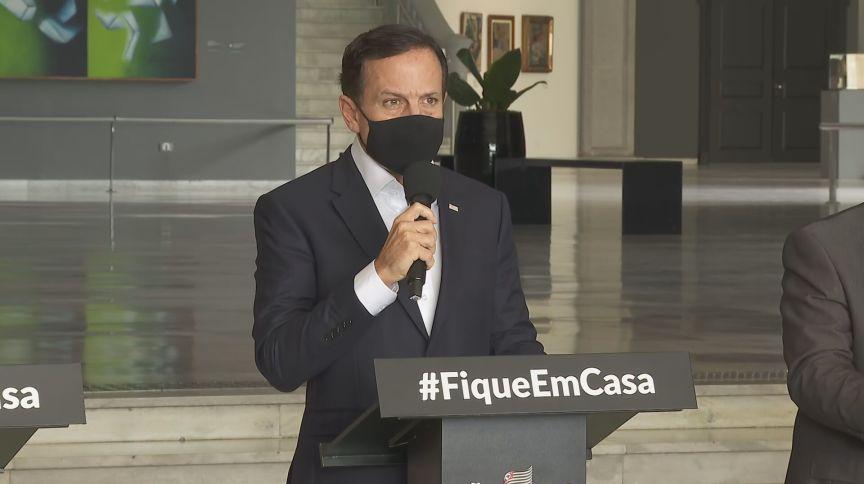 O governador de São Paulo, João Doria (PSDB), durante coletiva nesta quinta-feira (11) para anunciar novas medidas restritivas