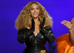 Em carta inspiradora, Beyoncé diz que está 'amando ter 40 anos'