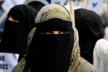 Em agenda contra os muçulmanos, o governo do Sri Lanka também proibiu o uso de burca no país