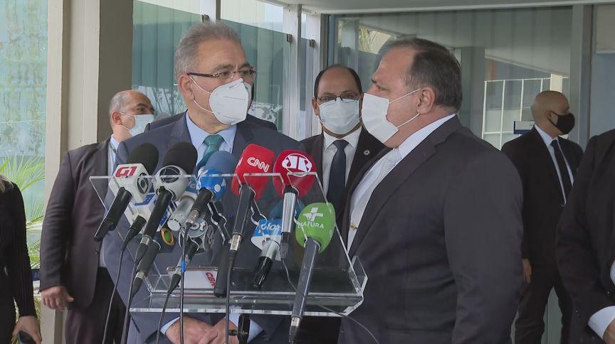 Marcelo Queiroga e Eduardo Pazuello (16.mar.2021)