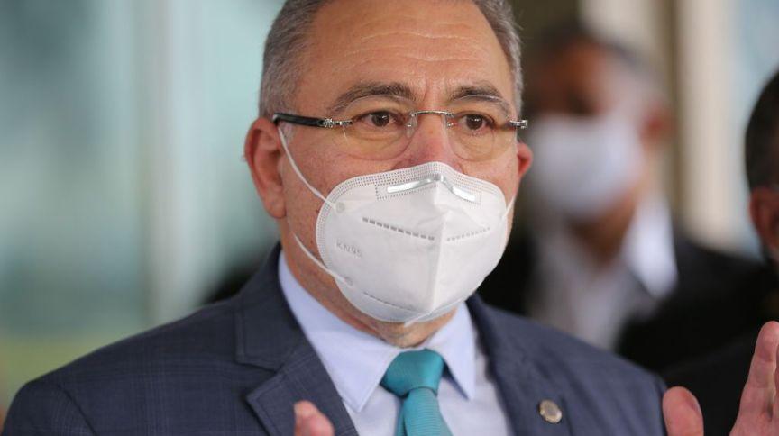 Queiroga afirmou que, até onde sabe, só há registros de casos leves da doença