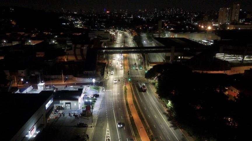 Vista aérea da cidade de São Paulo durante a Fase Emergencial do plano de contenção da Covid-19