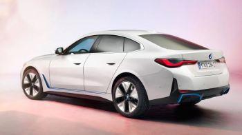 Montadora de luxo diz que ainda vai fabricar carros com motores a combustão em um futuro próximo