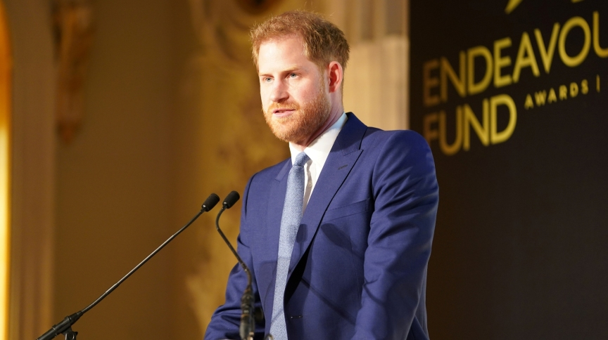 Harry afirmou compreender a solidão e a dor de crianças e jovens que perdem pais, mas garantiu que o 'sentimento vai passar'