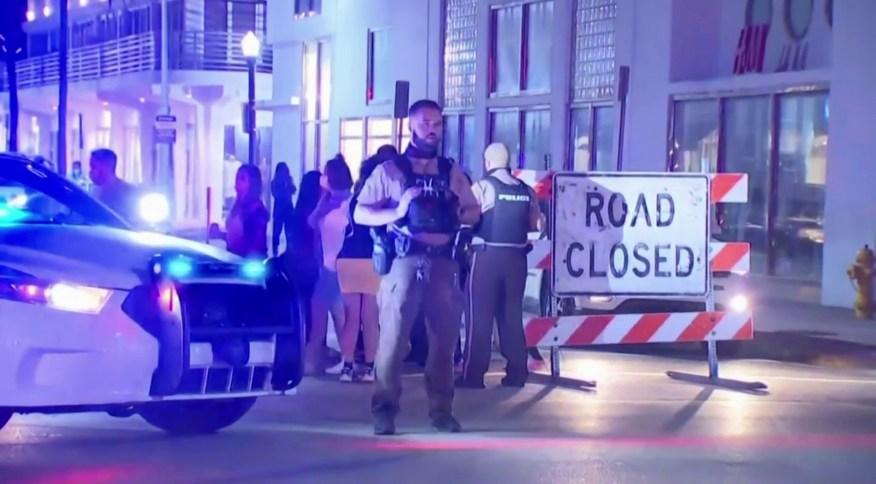 Polícia de Miami Beach controla movimentação após prefeito impor toque de recolher
