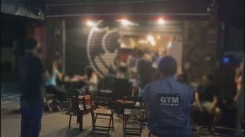 Bares, restaurantes e um food truck também foram autuados por permanecerem abertos após 21h