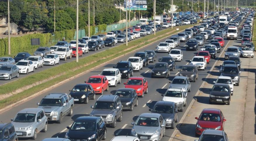 Segundo estudo, idade média dos carros brasileiros chegou a 10,2 anos
