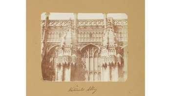 As quase 200 imagens do fotógrafo William Talbot retratam cenas internas e externas do século 19