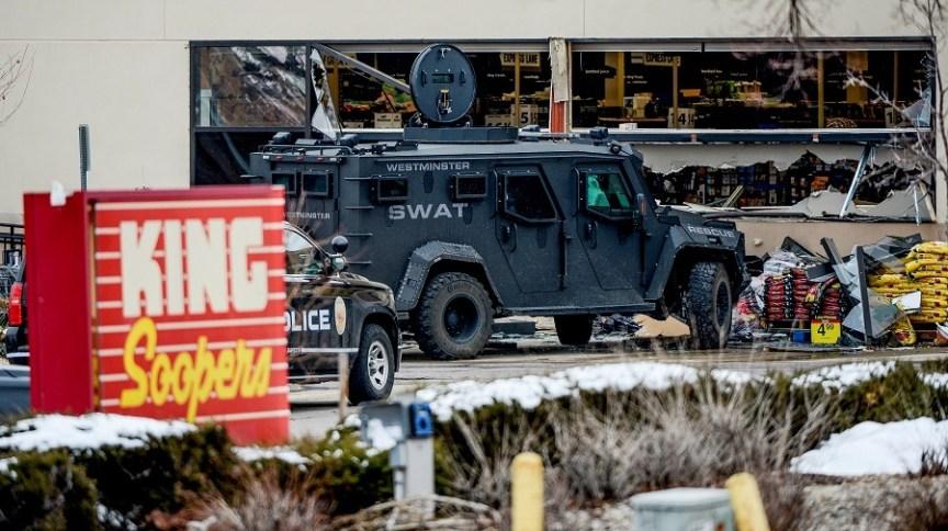 Nas últimas semanas, ataques com armas de fogo deixaram dezenas de mortos e vítimas nos EUA
