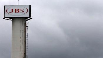 Invasão ocorrida no domingo levou ao fechamento de dezenas de unidades da empresa nos Estados Unidos e outros países