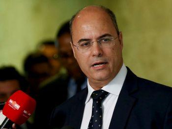 Grupo aliado ao presidente Jair Bolsonaro afirma que governador do Rio cometeu improbidade administrativa