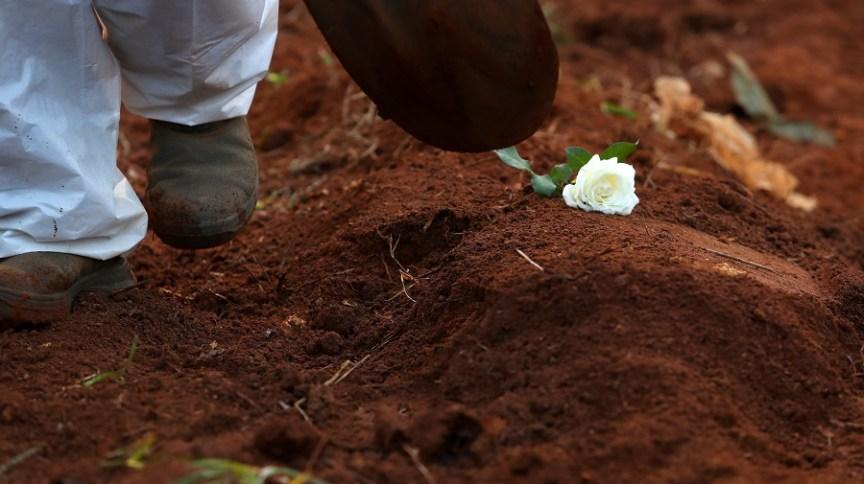 Desde o início da pandemia, 23.366 pessoas morreram por conta da doença em Minas Gerais