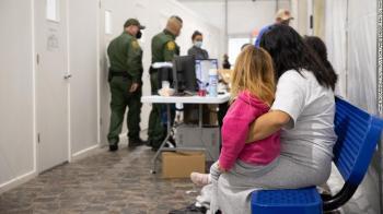 Havia mais de 18 mil crianças sob custódia do governo dos país norte-americano na quinta-feira. Eram cerca de 17 mil na quarta