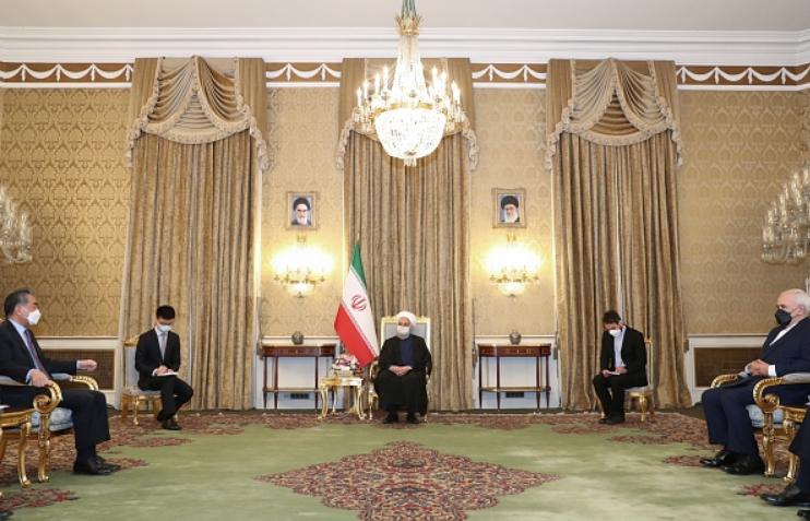 Encontro entre os chanceleres iraniano, Mohammad Javad Zarif, e chinês, Wang Yi