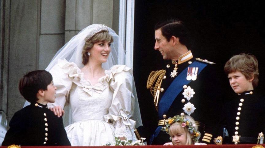 Príncipe Charles e princesa Diana no Palácio de Buckingham, em junho de 1981