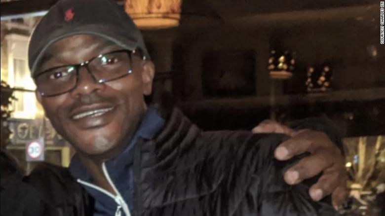 O microbiologista nigeriano Charles Oti, que poderia atuar na linha de frente no NHS, corre risco de ser deportado
