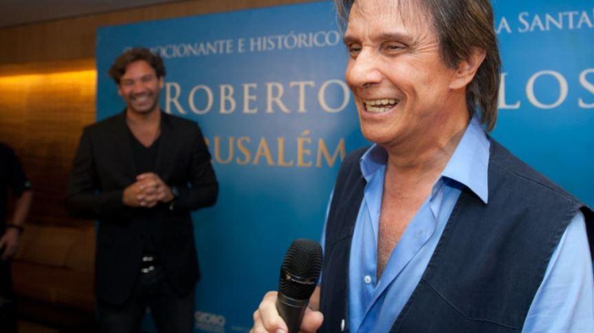 O cantor Roberto Carlos: o rei completa 80 anos