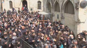 Caminhada pela Via Crucis relembra últimos momentos da vida de Jesus Cristo