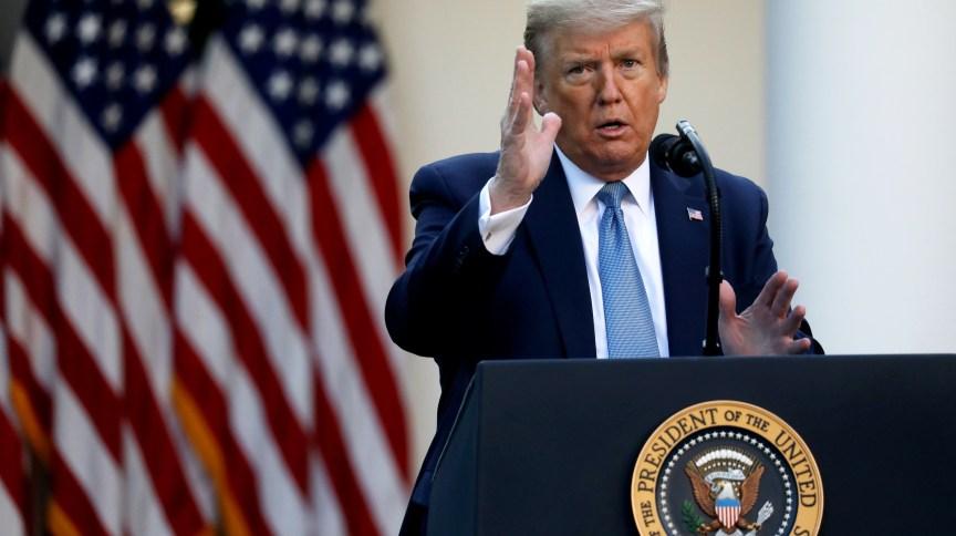 O presidente dos EUA, Donald Trump, afirma restrições de entrada de imigrantes no país.