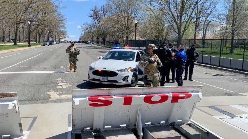 Um porta-foz da Guarda Nacional do Distrito de Columbia disse à CNN que enviou uma Força de Resposta ao Congresso dos EUA para apoiar a Polícia do Capitólio