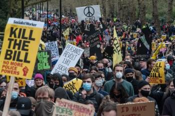 Projeto de lei quer dar mais poder à polícia para reprimir protestos
