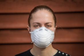"Infectologista do Hospital das Clínicas explica sobre uso correto de máscara N95 (PFF2) e ressalta: ""máscara úmida perde o poder de proteção"""