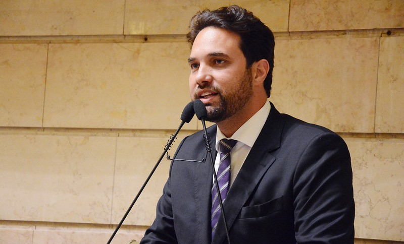 Dr. Jairinho em discurso na Câmara Municipal do Rio