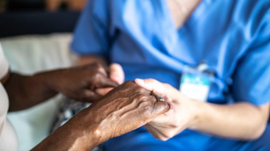 Hábitos aliados ao tratamento podem ajudar pacientes a executar tarefas diárias e até prevenir complicações