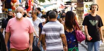 'Só poderemos tirar as máscaras quando tivermos um pacto de vacinação, com pouca circulação do vírus e poucos casos', disse Carlos Fortaleza