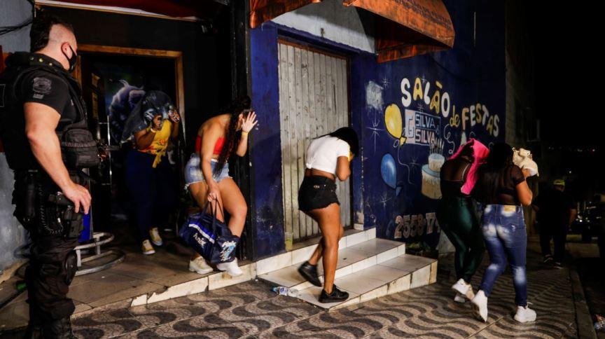 Polícia Civil fecha festa clandestina em São Paulo durante o momento mais grave da pandemia (10/04/2020)