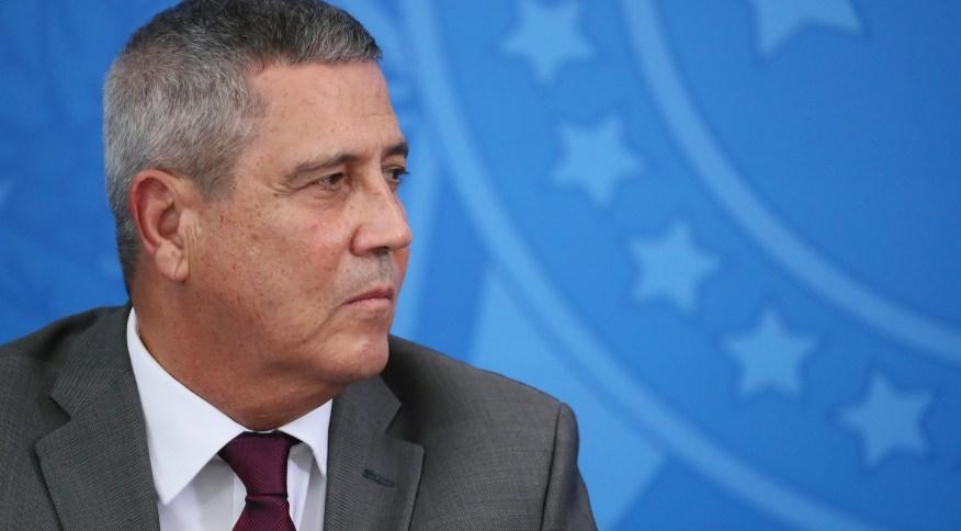 Ministro da Casa Civil, general Walter Braga Netto, coordena gabinete de crise (03.abr.2020)
