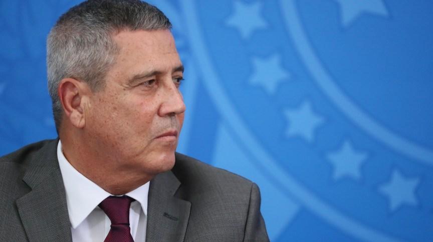 Decisão ocorrerá após reunião com o ministro da Defesa, Braga Netto