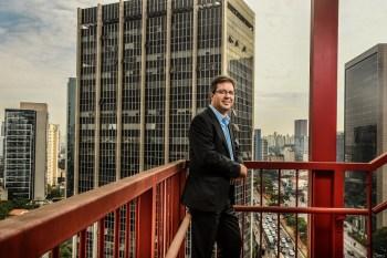 A marca alemã conhecida por seus elevadores vendeu o negócio por bilhões e agora está de olho em um mercado com potencial de US$ 2,5 trilhões até 2050