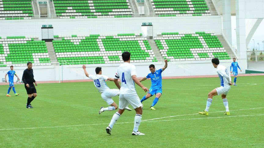 A liga turcomena será uma das duas do mundo a admitir torcedores nos estádios. A outra é o Campeonato Bielorrusso