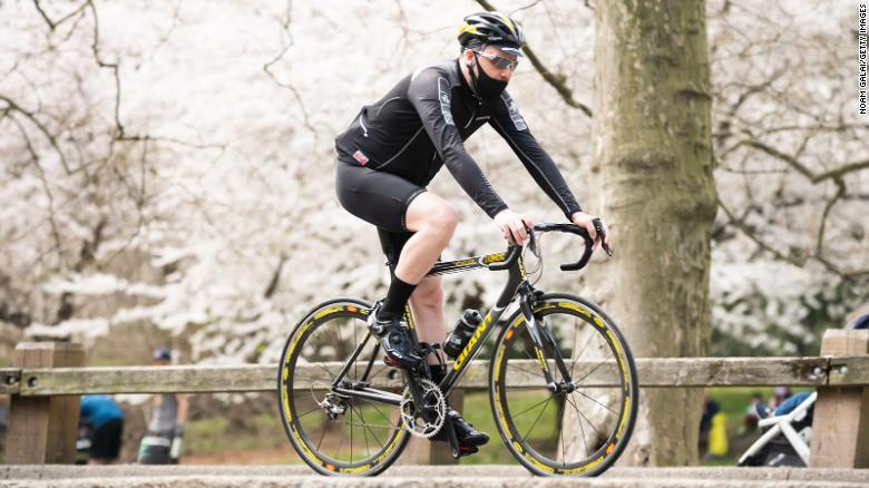 Atividade física é capaz de aumentar a função imunológica, reduzir a inflamação e melhorar a saúde mental