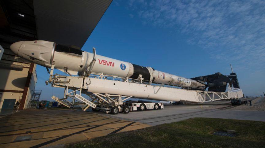 A missão SpaceX Crew-2 da NASA é a segunda missão de rotação da tripulação da espaçonave SpaceX Crew Dragon e do foguete Falcon 9 para a Estação Espacial Internacional.