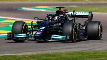 Piloto da Mercedes marcou o tempo de 1:14.411, apenas 0.036s à frente do mexicano Sergio Pérez, da Red Bull;