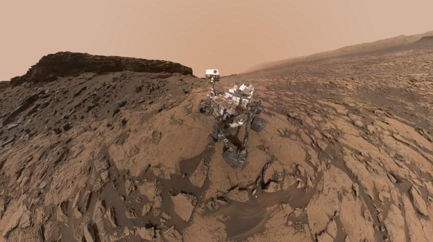 Self feita pelo rover Curiosity, da Nasa, no Monte Sharp, em Marte