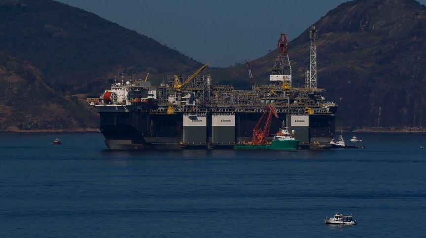 Operadores do mercado de petróleo buscam alternativas para armazenar combustível